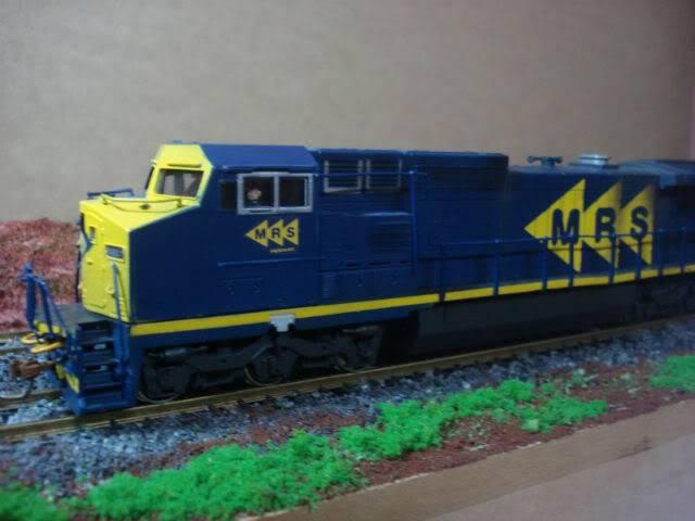C38-EMi (Dash 9) #3920-1 MRS - Bachmann Dash8-40cW3920-1MRS-Bachmann_01
