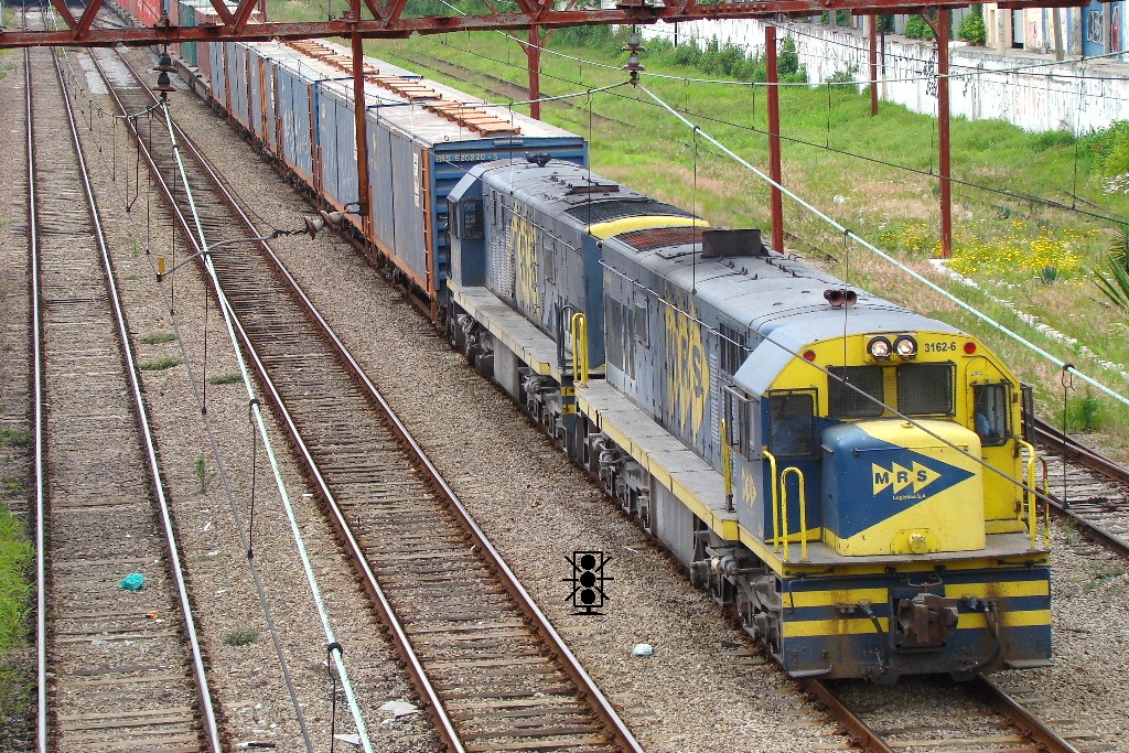 "Locomotiva GE U20c 3162-6 MRS em escala ""ho"" 3162_8_20110901_1854420972_zpse5bdf71b"