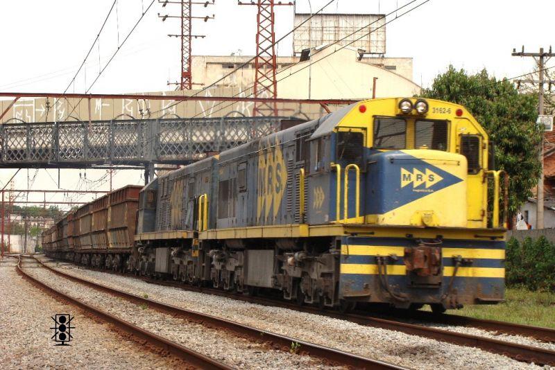 "Locomotiva GE U20c 3162-6 MRS em escala ""ho"" 800x534-images-stories-U20C-3162-3162_0013_zps68a4b86c"