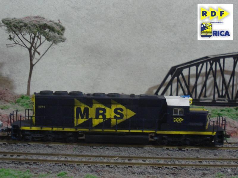 Locomotiva EMD SD40-2 MRS #5218-6_Celso MRS-GMDSD40-3MP5218-6-45_zpsfc207c30
