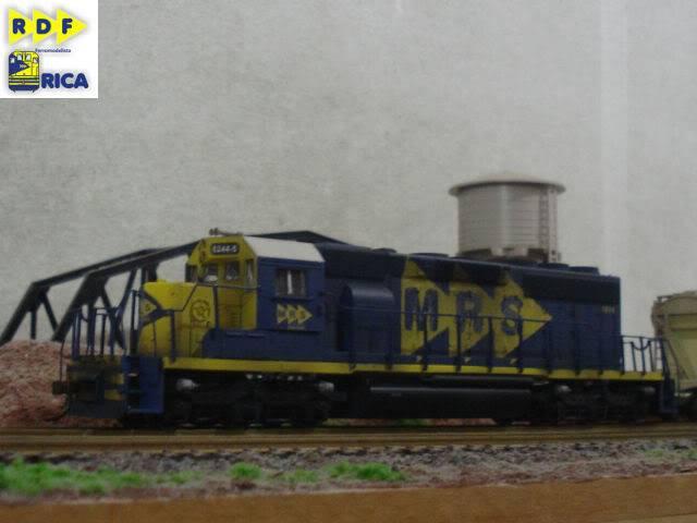 SD40-2 #5244-5 MRS - teto branco_Bachmann w/DCC_Alexandre_jun12 SD40-25244-5MRS-tetobranco_Alexandre_jun12_041