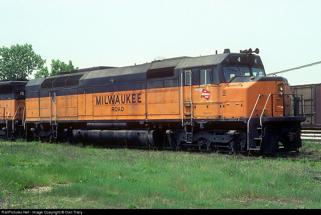 EMD FP45 Milwaukee Road EMDFP45MilwaukeeRoad_003_zps217a1bab