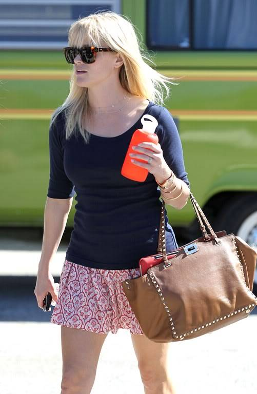 Reese Witherspoon  830473495_reese_witherspoon_04_122_467lo