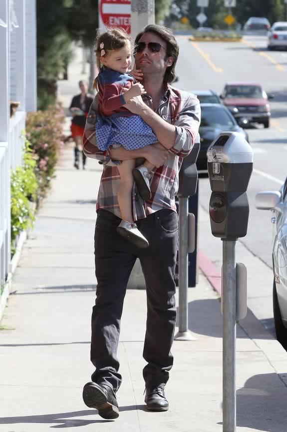 Ben Affleck and Jennifer Garner GSI_HR_JPEGBUFR021212A_06