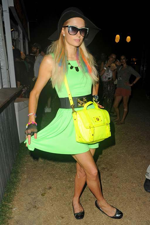 Пэрис Хилтон/Paris Hilton - Страница 3 ParisHilton2012-04-21-atTheCoachellaValleyMusicandArtsFestival001