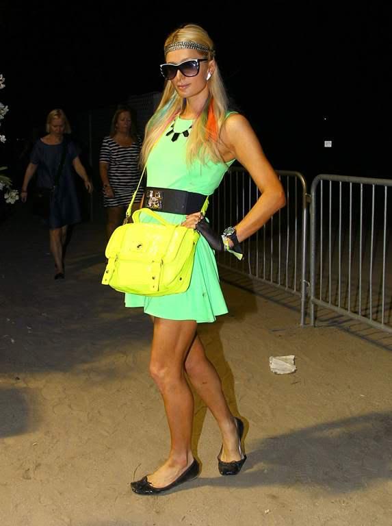 Пэрис Хилтон/Paris Hilton - Страница 3 ParisHilton2012-04-21-atTheCoachellaValleyMusicandArtsFestival019
