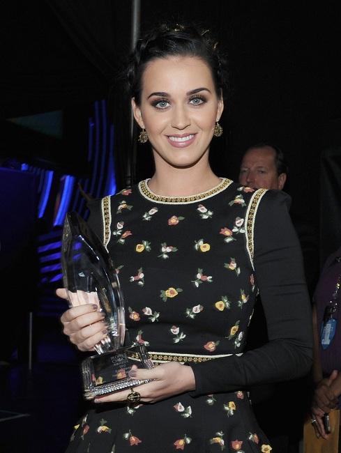 Katy Perry | Кэтти Перри - Страница 8 89811_katy11_123_520lo