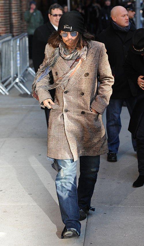 Johnny Depp - Страница 5 Depp-022113-1_zpseade41b2