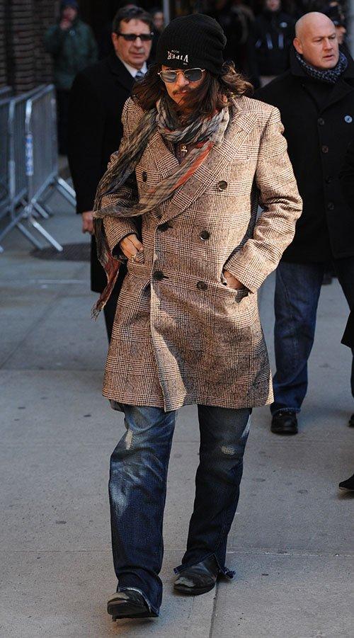 Johnny Depp - Страница 5 Depp-022113-2_zpsfa0279ff