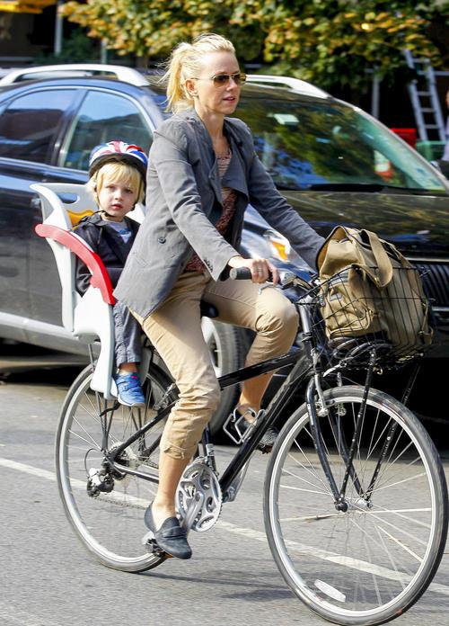 Naomi Watts - Страница 3 GSI_HR_JPEGAGNY091912F_01-500x696_zpscc2ce1dd