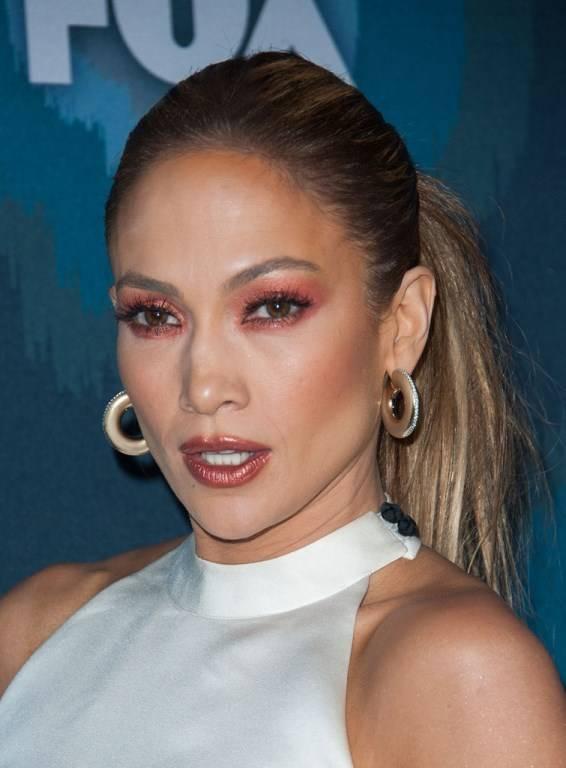 Посидим, поговорим - Страница 3 Jennifer_Lopez_Fox_Star_Party_Arrivals_cAUZ-WrLNFVx_zps95d7a956