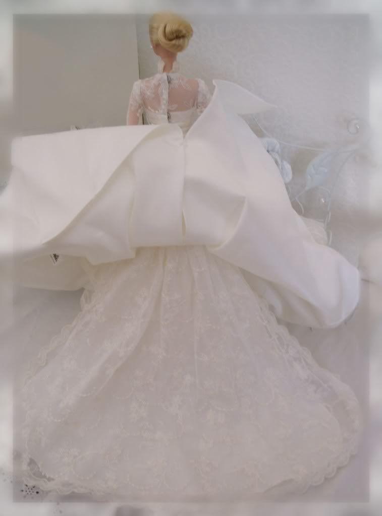 Une Silkstone Grace Kelly  - Page 3 GEDC8016