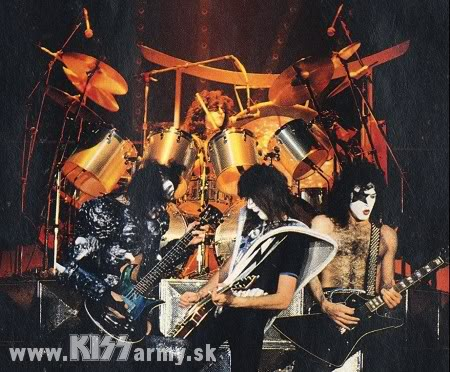 1980 UNMASKED 045KISS80