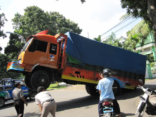 ☼☼☼ Truck standing (foto asli no sotosop) ☼☼☼ IMG_1787
