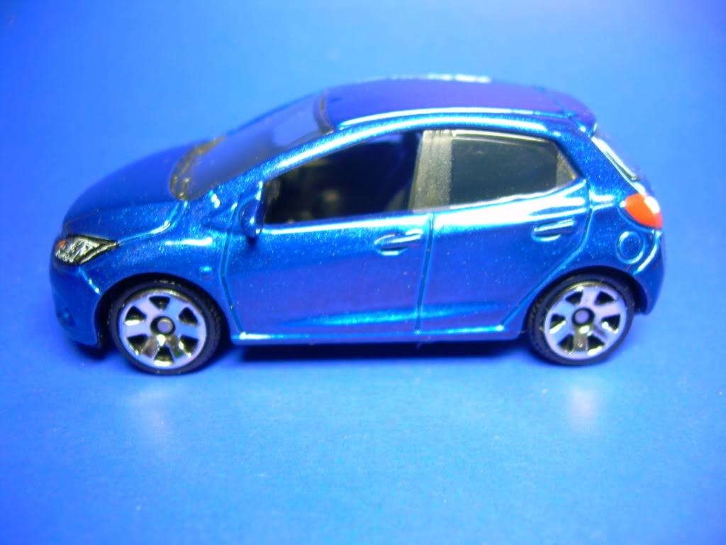 Honda Civic Type R y Mazda 2 752-2008MAZDA22008004
