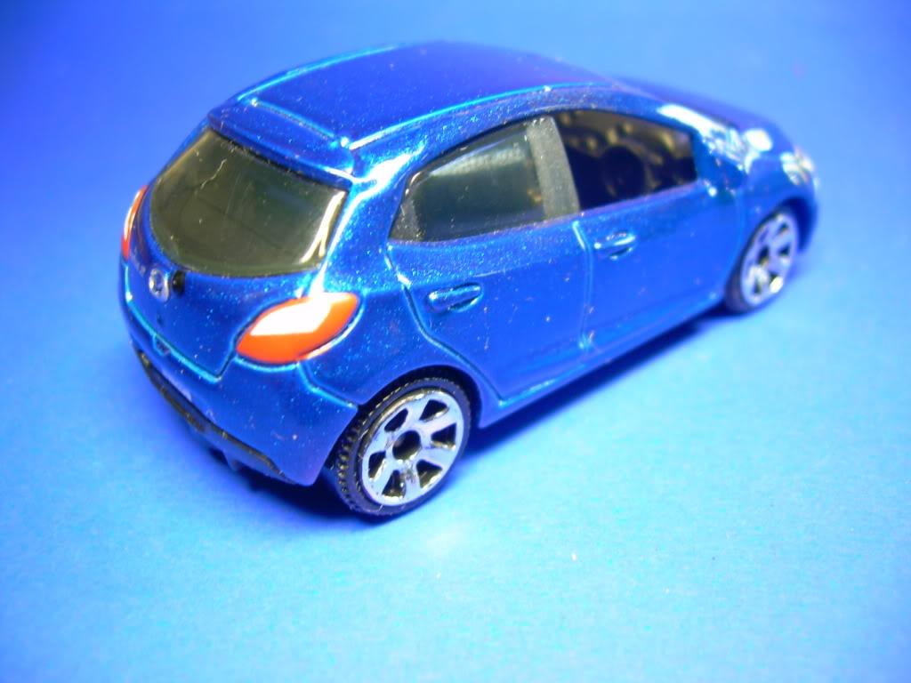 Honda Civic Type R y Mazda 2 752-2008MAZDA22008005