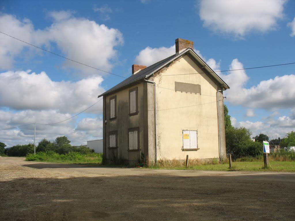 Ligne de St Hilaire de Chaléons à Paimboeuf de 1876 à nos jours 10-Chmrctparking