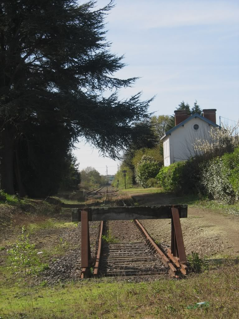 Ligne de Nantes - Segré (1185-1988) Voie Verte de Carquefou à St Mars la Jaille  10-LeheurtoiraprslagaredeCarquefou