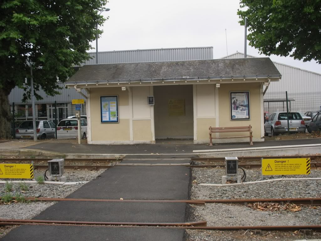 Gare de Machecoul - Ligne de Nantes-St Gilles Croix de Vie  11-Machecoul-latraversedesvoiesetlamarquise