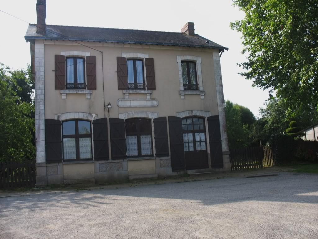 Ligne de Nantes - Segré (1185-1988) Voie Verte de Carquefou à St Mars la Jaille  12-LaGareStMarsctparking-1