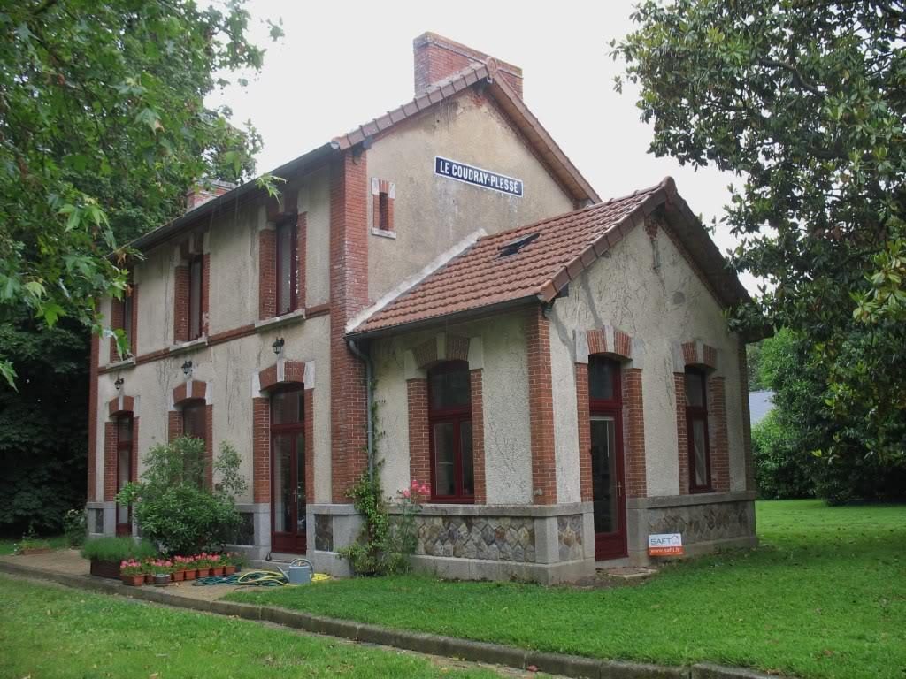 Ligne de La Chapelle sur Erdre - Blain - Beslé (1901-1910-1952) 30-LeCoudrayPlessctparking