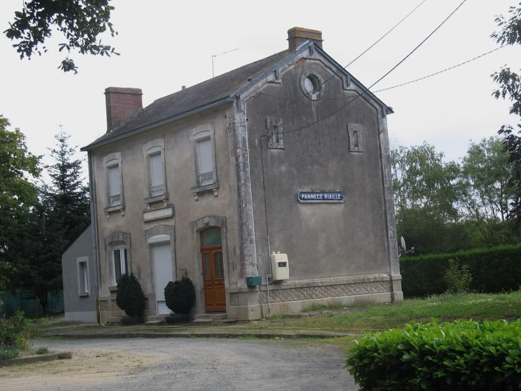 Ligne de Nantes - Segré (1185-1988) Voie Verte de Carquefou à St Mars la Jaille  40-lagaredePannec-Riaill-LaHervelinire
