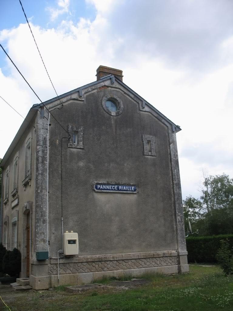 Ligne de Nantes - Segré (1185-1988) Voie Verte de Carquefou à St Mars la Jaille  42-lagarePannec-Riaillpignon2niches