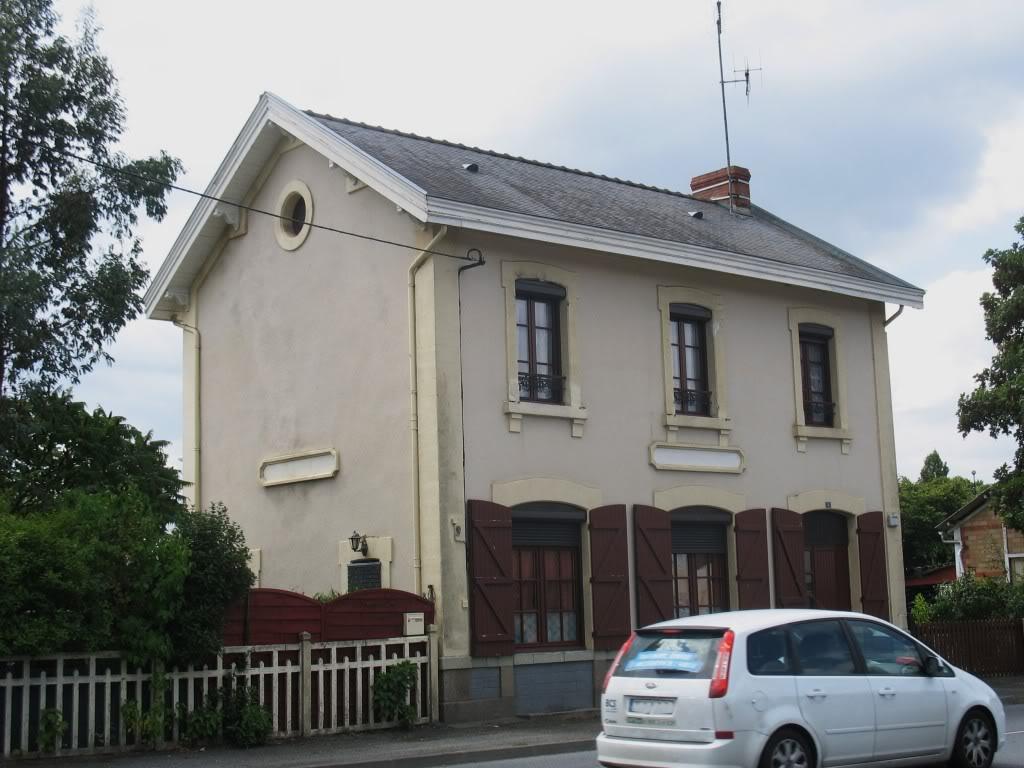Ligne de Nantes - Segré (1185-1988) Voie Verte de Carquefou à St Mars la Jaille  46-StMarslaJaillectparking
