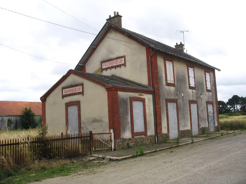 Ligne de St Hilaire de Chaléons à Paimboeuf de 1876 à nos jours 48-Paimboeufctparking