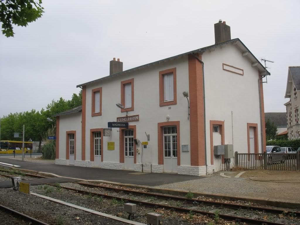 Gare de Machecoul - Ligne de Nantes-St Gilles Croix de Vie  5-Machecoulctquai