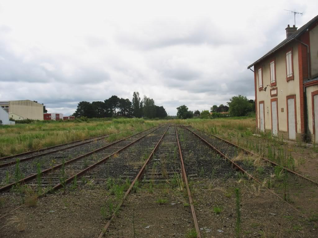 Ligne de St Hilaire de Chaléons à Paimboeuf de 1876 à nos jours 57-LesvoiesPaimboeufversNantes