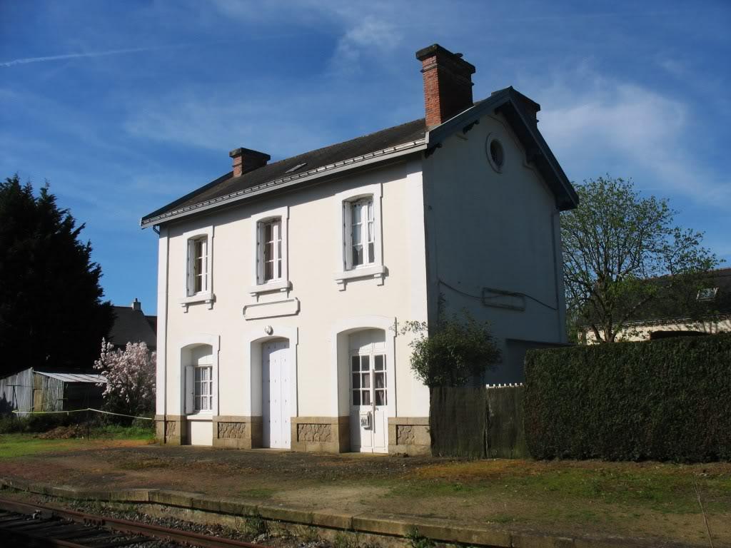 Ligne de Nantes - Segré (1185-1988) Voie Verte de Carquefou à St Mars la Jaille  7-LaGaredeCarquefouctquai
