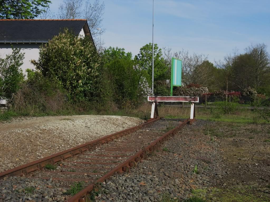 Ligne de Nantes - Segré (1185-1988) Voie Verte de Carquefou à St Mars la Jaille  9-LeheutoirfindevoiePN