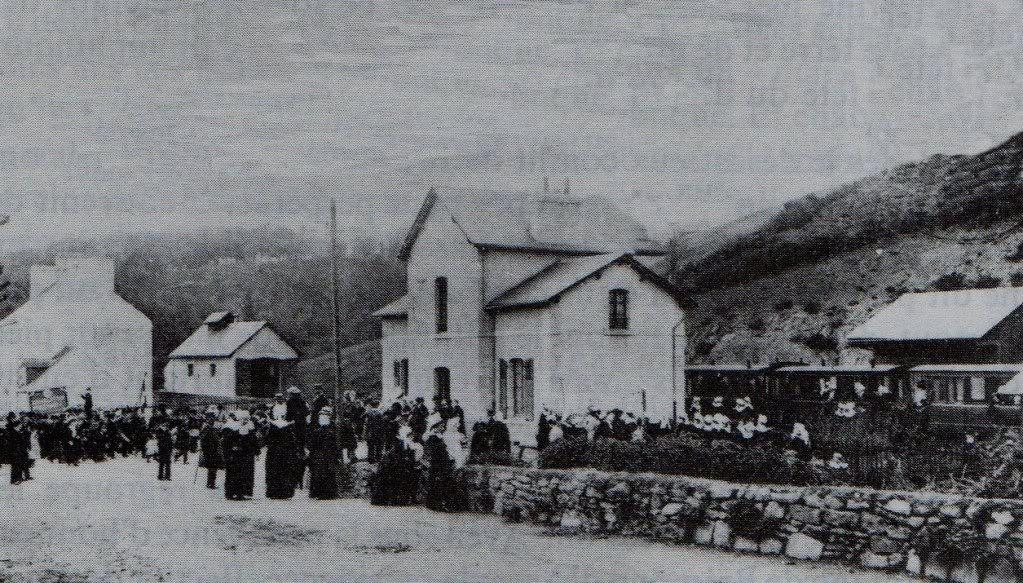Ligne de Quimperlé-Pont-Aven-Concarneau (1903-1908-1909-1936) 9-Pont-Avenlagare-manifestation-1907051