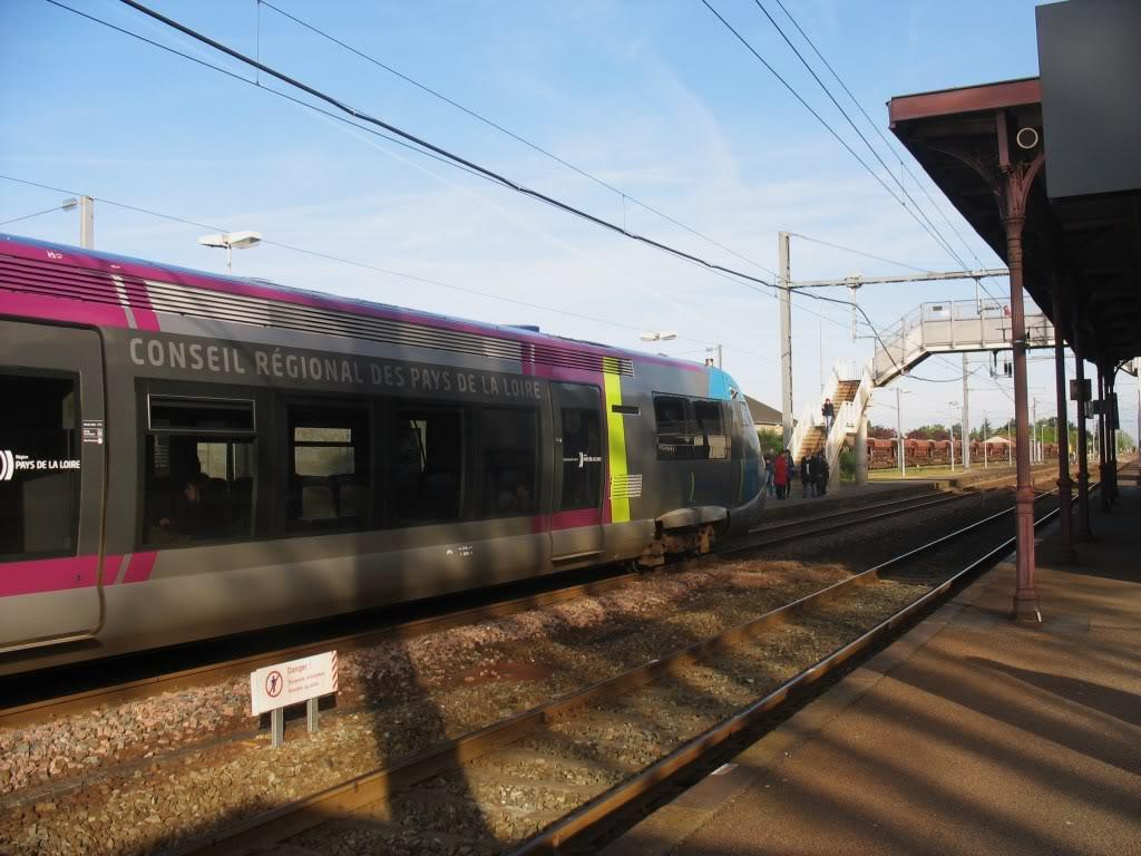 Les Gares de Nantes à Clisson - Ligne de Nantes-Saintes IMG_7904