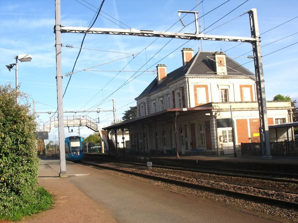Les Gares de Nantes à Clisson - Ligne de Nantes-Saintes IMG_7911
