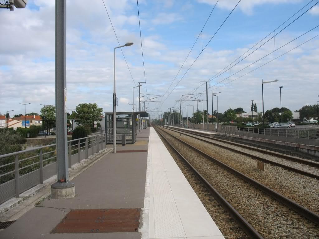 Les Gares de Nantes à Clisson - Ligne de Nantes-Saintes IMG_9198