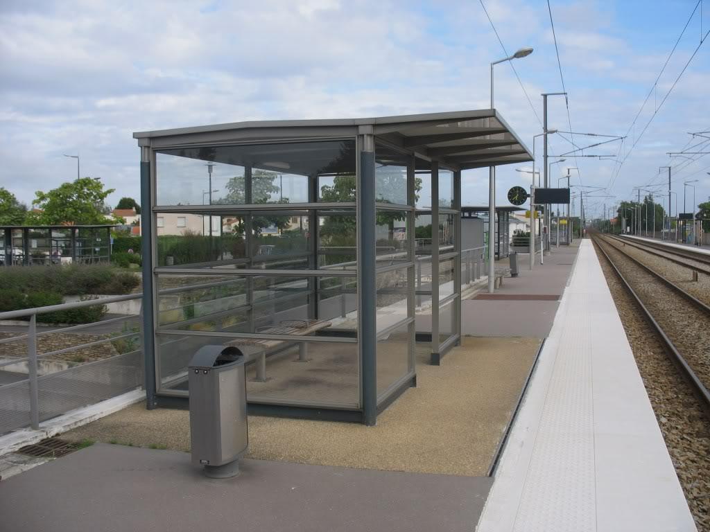 Les Gares de Nantes à Clisson - Ligne de Nantes-Saintes IMG_9199