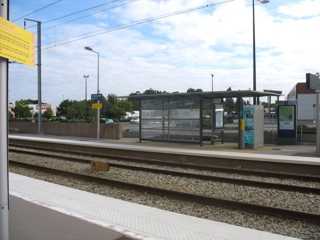 Les Gares de Nantes à Clisson - Ligne de Nantes-Saintes IMG_9201
