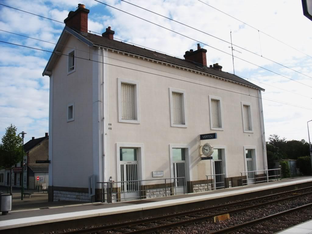 Les Gares de Nantes à Clisson - Ligne de Nantes-Saintes IMG_9203