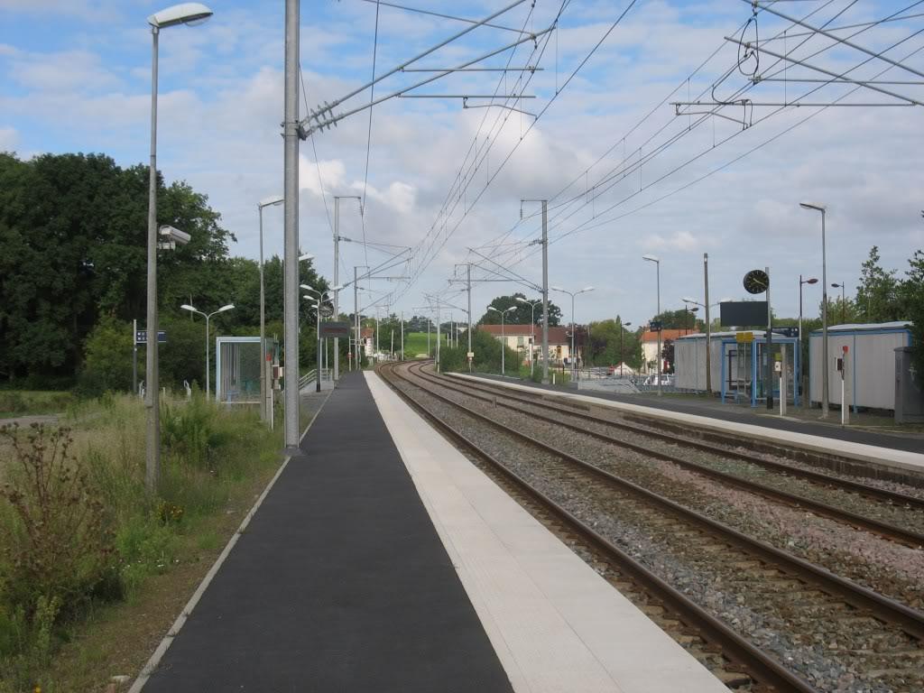 Les Gares de Nantes à Clisson - Ligne de Nantes-Saintes IMG_9213