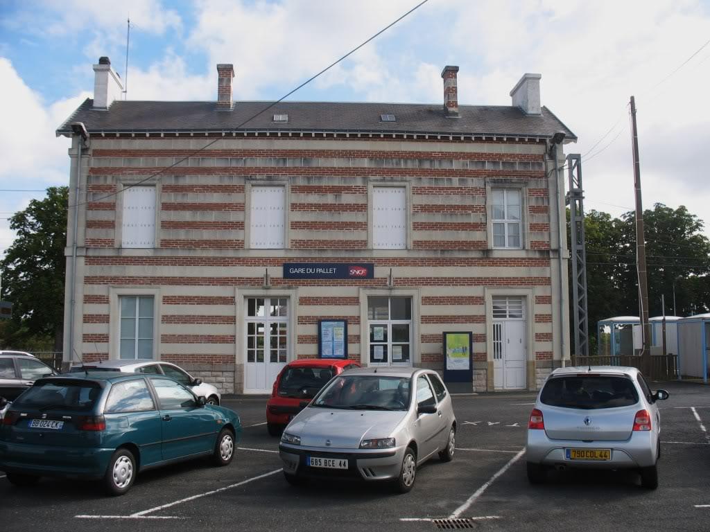 Les Gares de Nantes à Clisson - Ligne de Nantes-Saintes IMG_9214