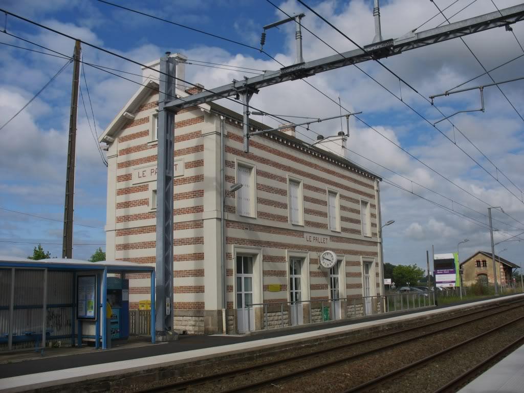 Les Gares de Nantes à Clisson - Ligne de Nantes-Saintes IMG_9217