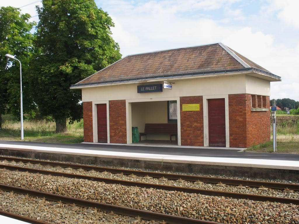 Les Gares de Nantes à Clisson - Ligne de Nantes-Saintes IMG_9218