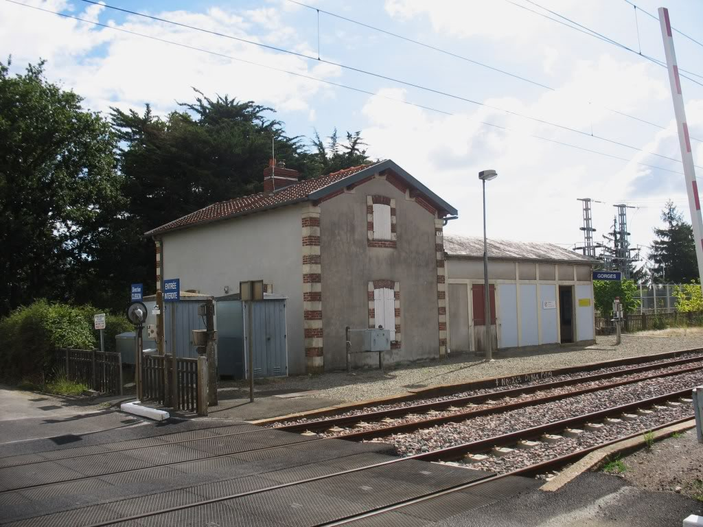Les Gares de Nantes à Clisson - Ligne de Nantes-Saintes IMG_9232