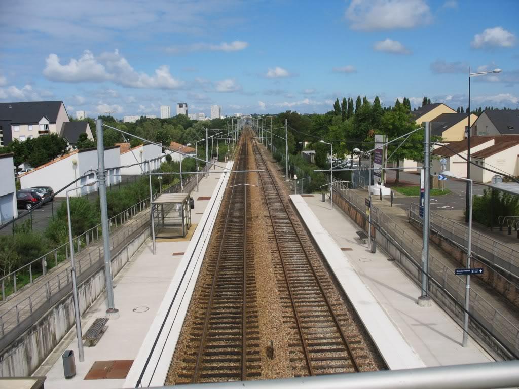 Les Gares de Nantes à Clisson - Ligne de Nantes-Saintes IMG_9243