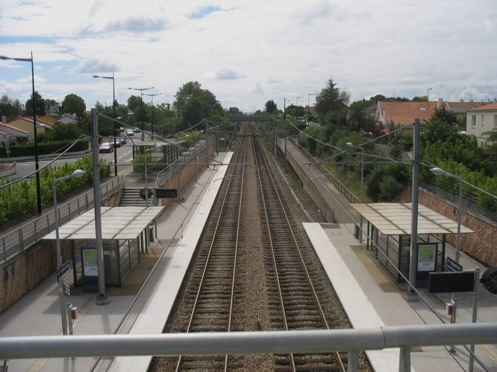 Les Gares de Nantes à Clisson - Ligne de Nantes-Saintes IMG_9244