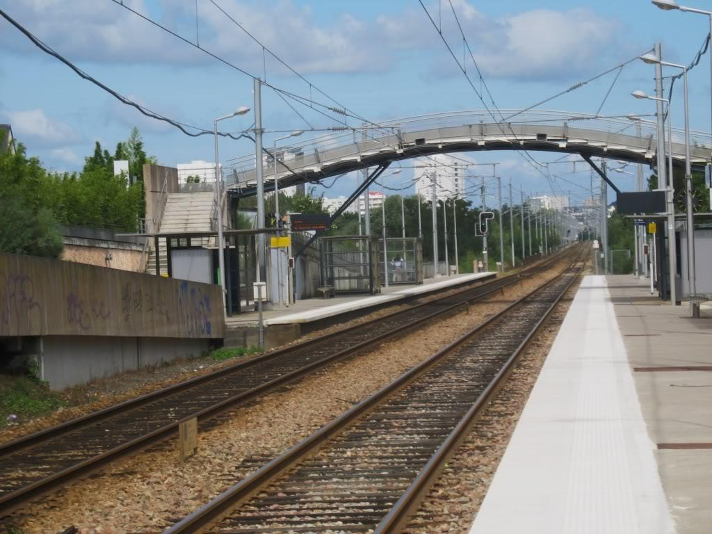 Les Gares de Nantes à Clisson - Ligne de Nantes-Saintes IMG_9245