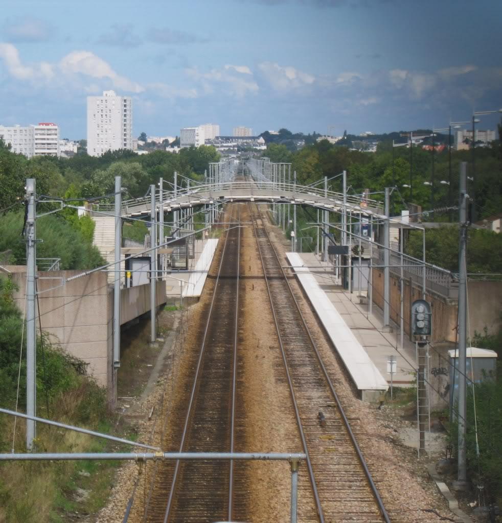 Les Gares de Nantes à Clisson - Ligne de Nantes-Saintes IMG_9248