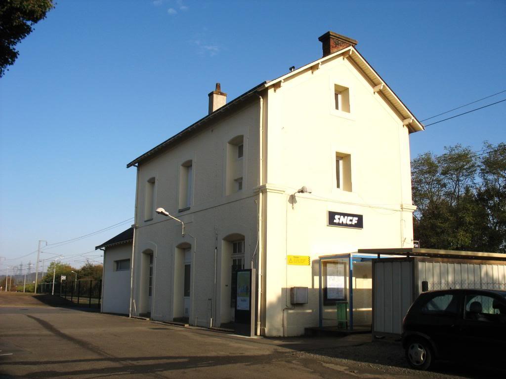 Les gares de Nantes à Savenay - Ligne Nantes-Le Croisic-Redon-Quimper 40-CordemaisBVcocircteacuteparking